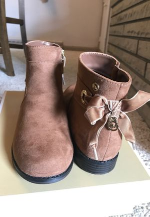 NEW Michael Kors girls boots size 3 for Sale in McKnight, PA
