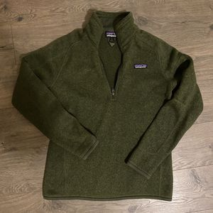 Patagonia Women Small jacket pullover sweater half zip for Sale in Tukwila, WA