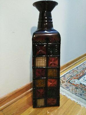 Metal decor vase for Sale in Wichita, KS