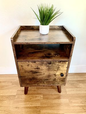 Nightstand/end table/side table for Sale in Roseville, CA