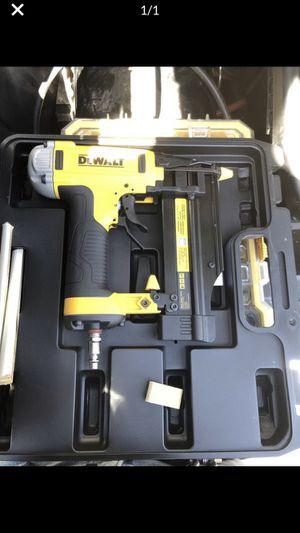 Brand new dewalt 23 gauge for Sale in Wichita, KS