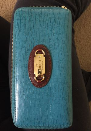 Gucci wallet & sunglass case for Sale in Austin, TX