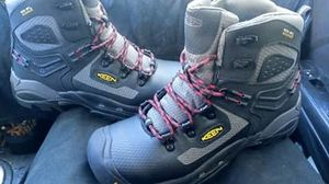 $125reg$194 Keen work boots men's 9 brand new never worn for Sale in Stanwood, WA