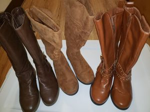 Boots size 3 in girls for Sale in Portland, OR