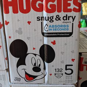Huggies Snug Dry Size 5 (132 Counts) for Sale in Long Beach, CA