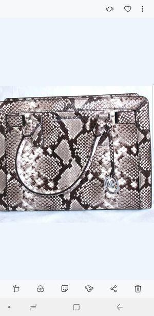 Michael Kors women's bag for Sale in Dundalk, MD