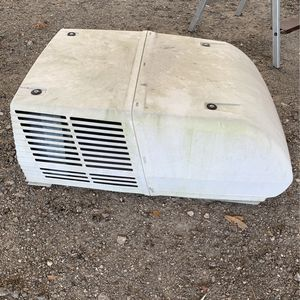 RV Air Conditioner. Runs but doesn't cool. for Sale in Orlando, FL