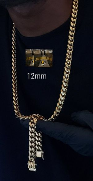 $120....12mm....🏆🤩 14k gold-plated Cuban link chain and bracelet.... will not fade or tarnish.... I deliver 🚗💭💭 for Sale in Miami, FL