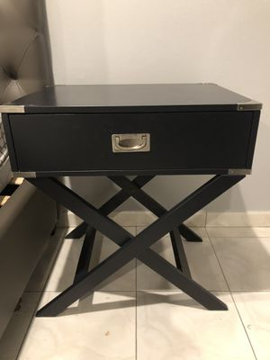 End tables for Sale in Hialeah, FL