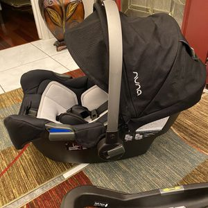 Nuna Pipa Car Seat and Base for Sale in Sterling Heights, MI