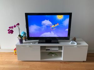 Ikea tv stand with TV for Sale in Tampa, FL