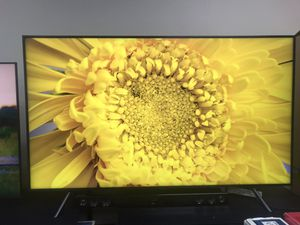 Samsung QN82Q70RAFXZA / QN82Q7DRAFXZA Flat 82-Inch QLED 4K Q70 Series Ultra HD Smart TV with HDR and Alexa Compatibility for Sale in Claremont, CA