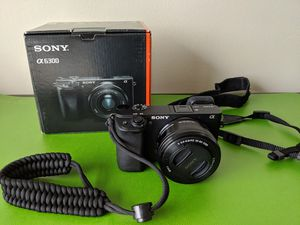 Sony Alpha A6300 WITH 16-50mm f 3.5 Lens + Official Carrying Case for Sale in San Francisco, CA