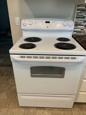 "30"" GE electric stove for Sale in La Verne, CA"