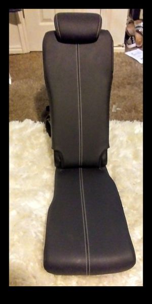 OEM GENUINE TOYOTA SIENNA SE BLACK SOFTTEX LEATHER MIDDLE SEAT SECOND ROW PULL OUT ADJUSTABLE SEAT (NEW) for Sale in Pleasant Grove, UT