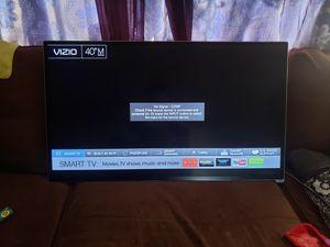 Tv vizio smart se apaga cuando la usas en enthernet for Sale in Stockton, CA