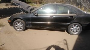 Mercedes Benz 2003 c320 parting out for Sale in Woodville, CA