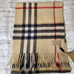 Burberry Classic Plaid 100% Cashmere Scarf for Sale in San Jose, CA
