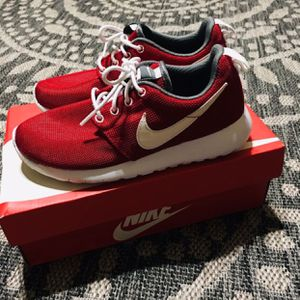 Nike kids size 4y for Sale in Fresno, CA