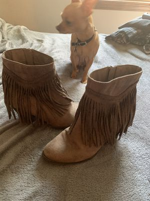 Tan fringe suede booties 7.5 for Sale in Tyngsborough, MA