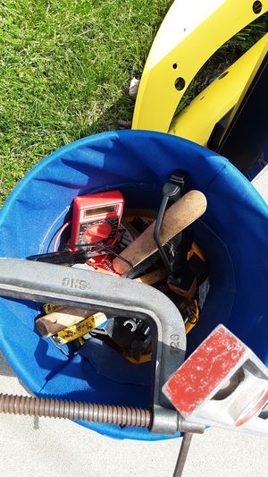 TOOLS AND BUCKET. MISC TOOLS AND LEVEL for Sale in Trafford, PA