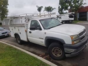 04 silverado parting out or complete for Sale in Stanton, CA