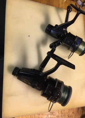 2 fishing reels quantum and abu for Sale in Woodridge, IL
