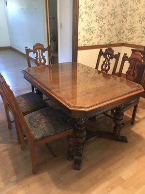 Beautiful Solid Wood Table and Chairs for Sale in Castro Valley, CA