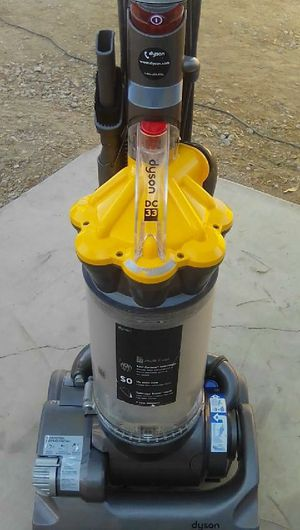 DYSON DC 33 upright vacuum for Sale in Menifee, CA