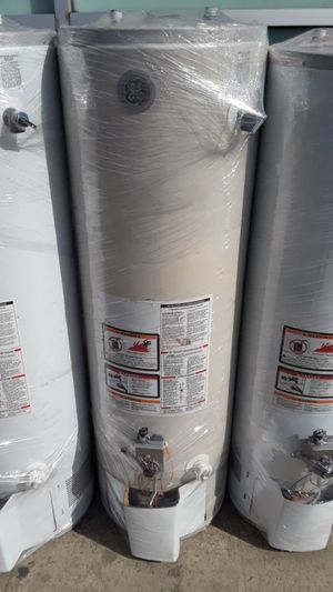 For sale water heater today for 320 whit installation included for Sale in Fontana, CA