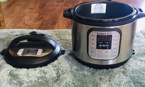 Instant Pot DUO60 6-Quart 7-in-1 Multi-Use Programmable Pressure Cooker, Slow Cooker, Rice Cooker, Sauté, Steamer, Yogurt Maker and Warmer for Sale in Westminster, CA