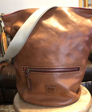 Dooney & Bourque off the shoulder zippered Bucket Bag/Tote. Never used. Originally priced at $398. for Sale in Meriden, CT