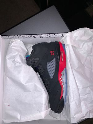 """Jordan 5 """"top 3"""" size 4y for Sale in Mount Vernon, NY"""
