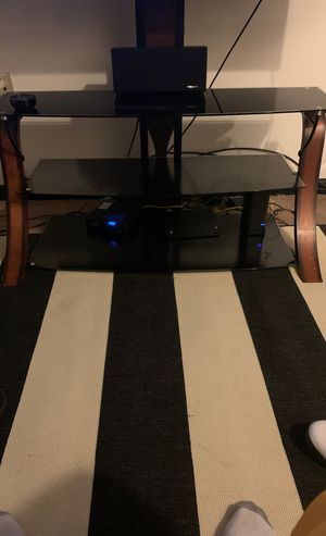 Tv stand fits 50/60 inch for Sale in Columbus, OH
