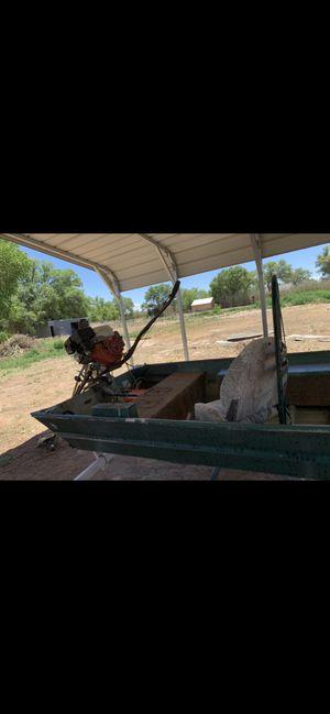 "16'x42"" duck/fishing boat w/9hp go devil mud motor for Sale in Los Lunas, NM"