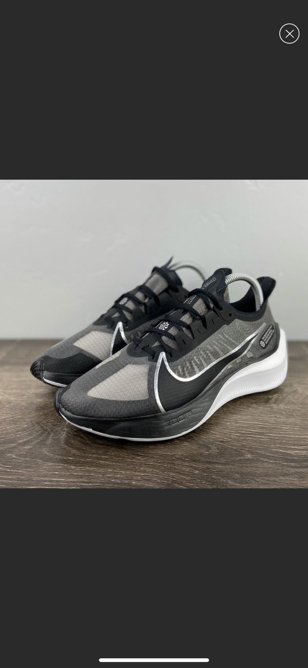 NEW Nike Zoom Gravity Women's size 8.5