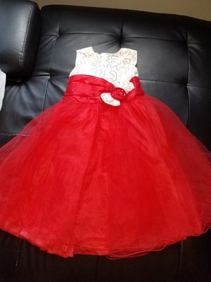 Flower girl dress size 4t for Sale in Levittown, PA