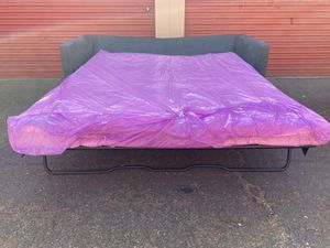 Pull out bed sofa for Sale in Bakersfield, CA