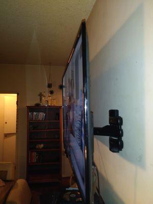 "42"" smart flat screen ROKU TV for Sale in San Luis Obispo, CA"