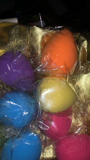 Color beauty blenders (7) for Sale in Morningside, MD