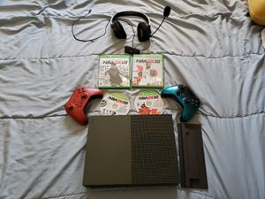 Xbox one 1x 1tb for Sale in Chicago, IL
