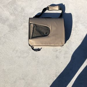 Medium Dog or Cat Carrier for Sale in Hollywood, FL