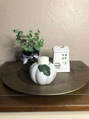 Farmhouse Eucalyptus Center Piece Home Decor for Sale in Chula Vista, CA