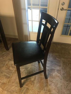 Neatly used dining set with 4 chairs for sale due to relocation. for Sale in San Diego, CA