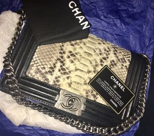 Chanel Boy Bag Medium for Sale in Silver Spring, MD