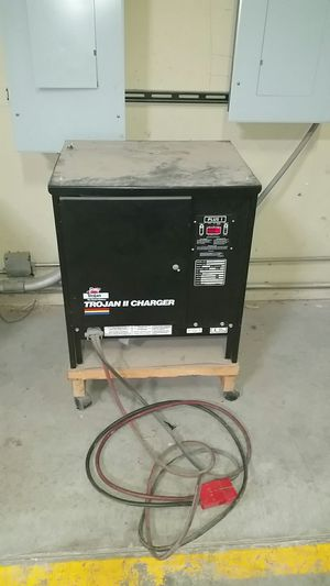 Battery charger 3 phase 24 volts . for Sale in Los Angeles, CA