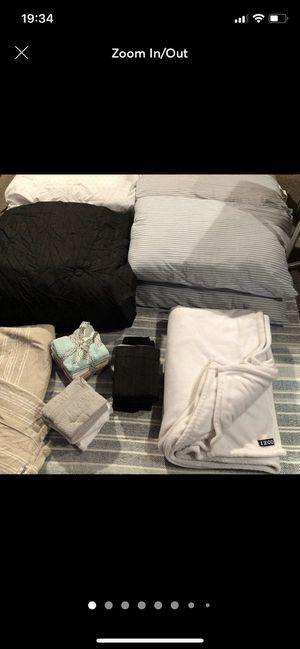 6 Pillows, 1 Conforter Queen Size 6 Pillow Cases 12 Bathroom Face Towels (New) 1 Throw Blanket 1 Blanket for Sale in Henderson, NV