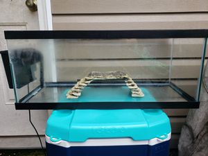 24 Gallon Aquarium with Stand for Sale in Red Bank, TN