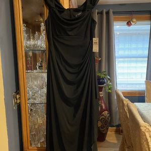 Black Gown for Sale in Chicago, IL