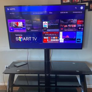 Samsung Tv Smart 55 Inches for Sale in Riverside, CA